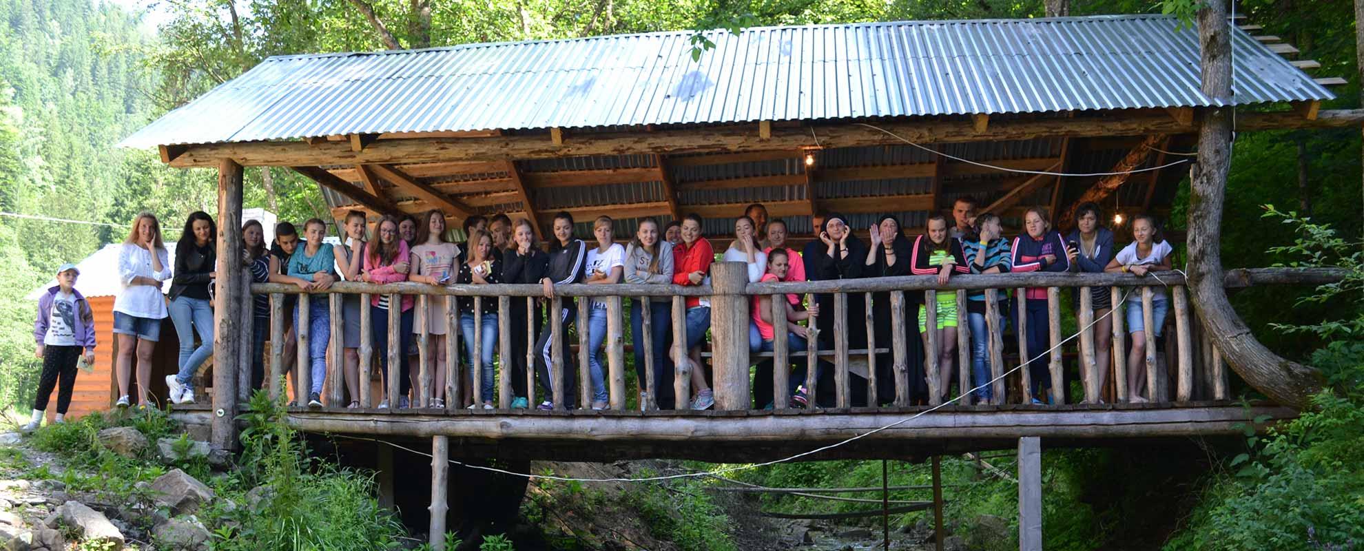 ACN apoya más de 20 campamentos de verano para jóvenes y niños