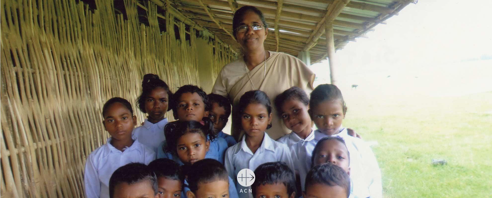 Un vehículo para las Hijas de la Sagrada Cruz en el Nepal