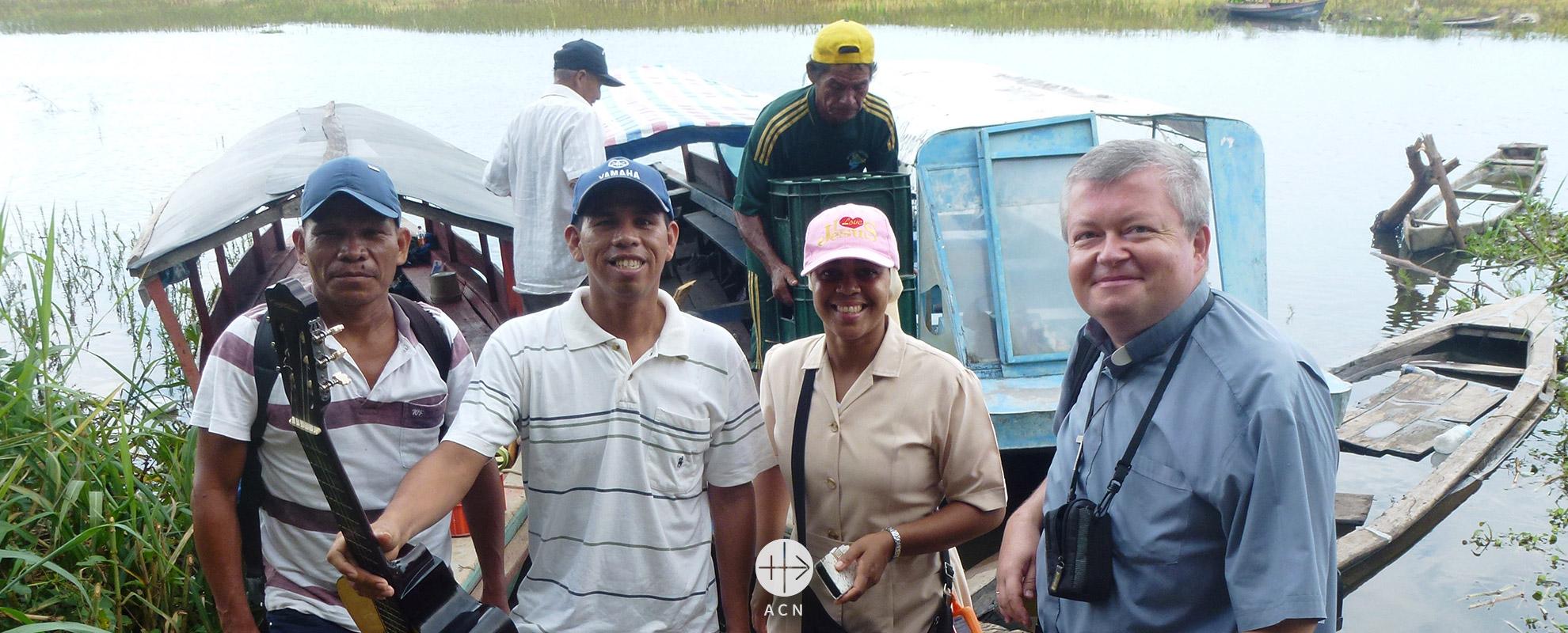 Perú: Formación continua de los catequistas en una extensa parroquia de la selva