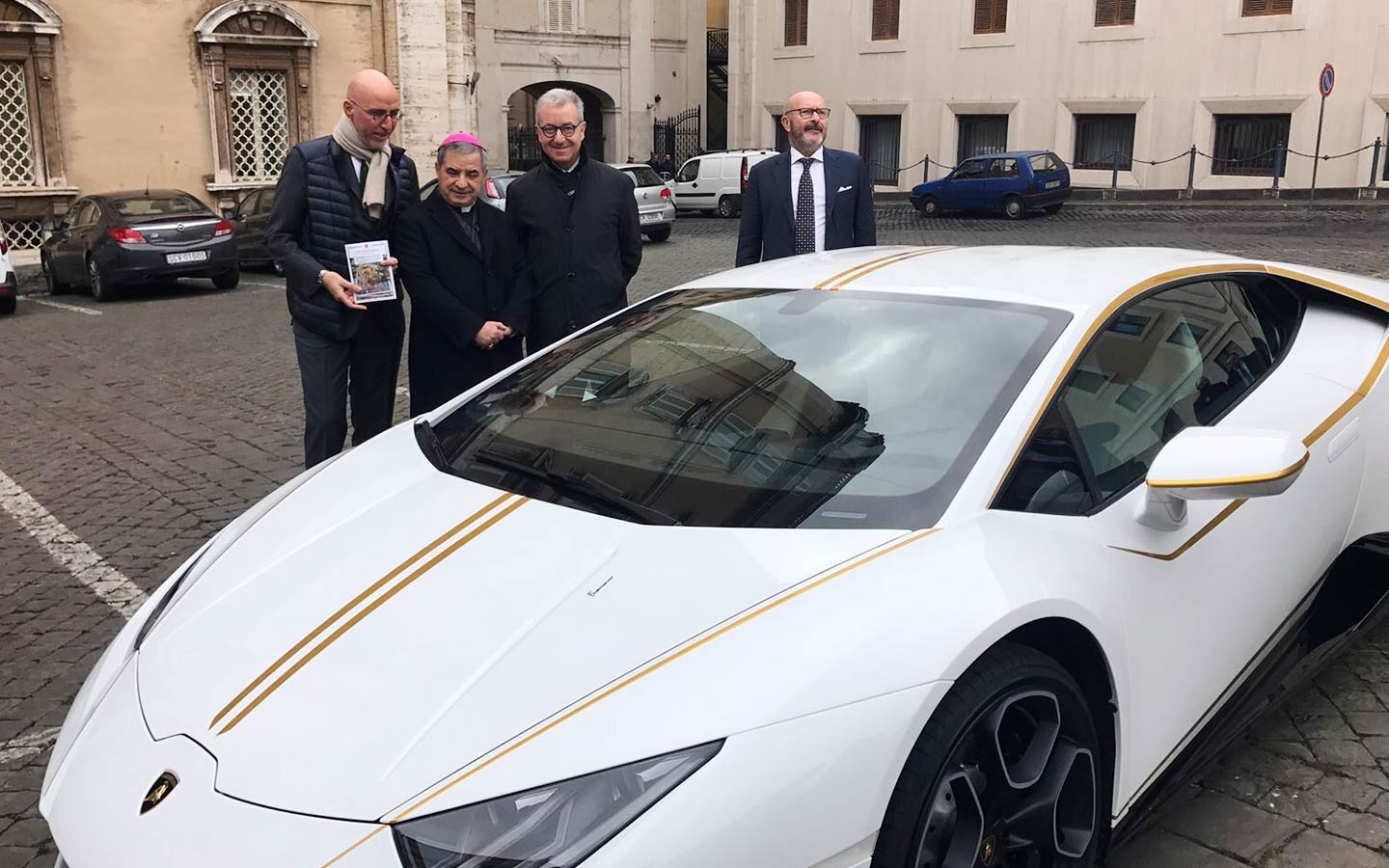 """Patriarch Sako on the donated Lamborghini: """"We thank Pope Francis for the fatherly gesture"""""""