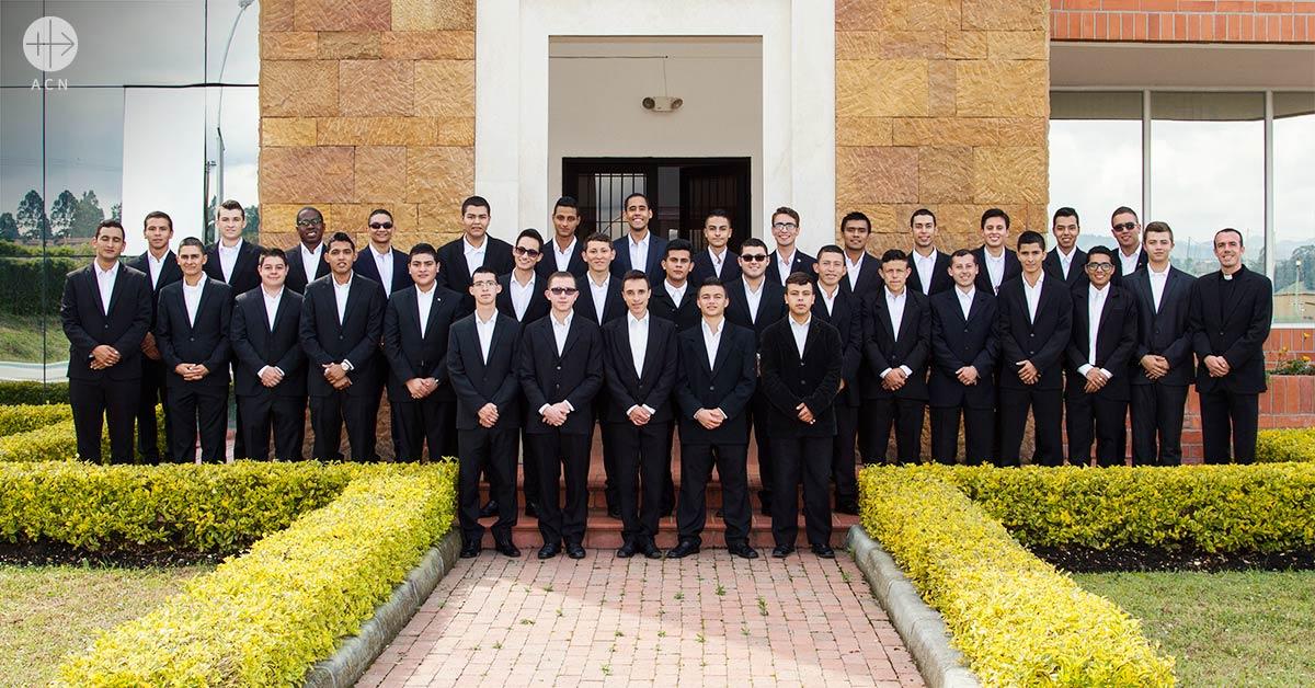Ayuda a la formación para los 91 futuros sacerdotes de la Diócesis de Sonsón-Rionegro
