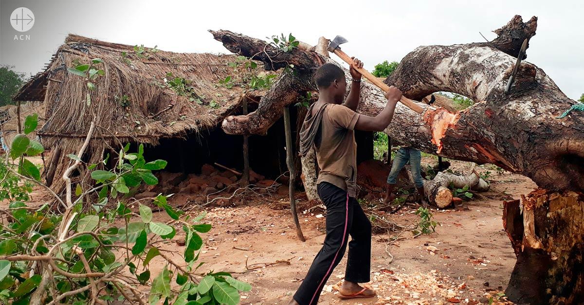 Ayuda a la reconstrucción de dos capillas de pueblo destruidas por un ciclón