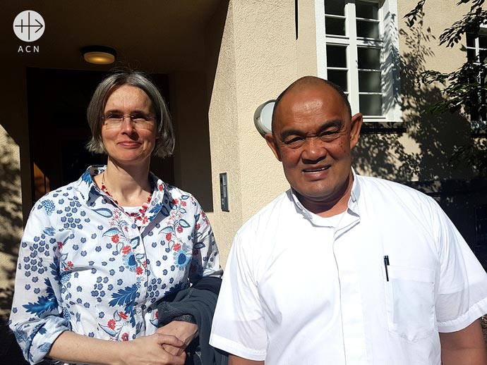 Irene Eschmann (project officer fro ASIA at ACN) with Archbishop Peter Loy Chong (Archbishop of Suva diocese in Fiji)during his visit at the during his visit at the ACN headquarters