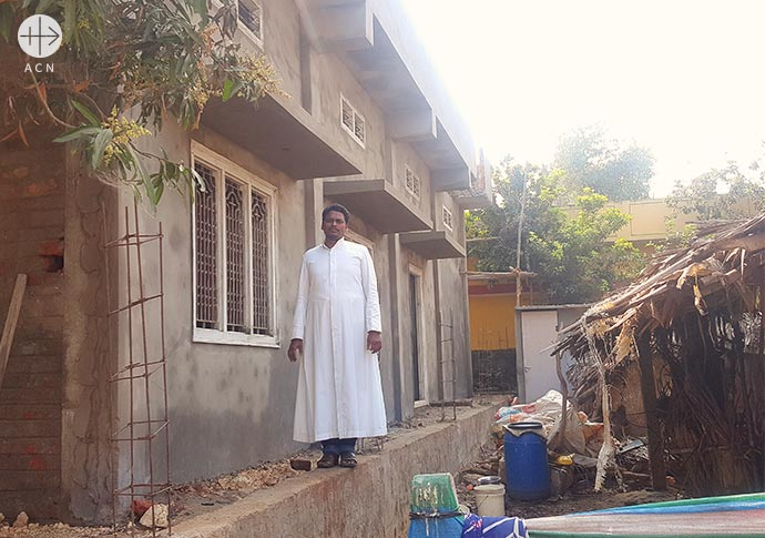 Success Story: Consecration of the village chapel in West Vipparu, India