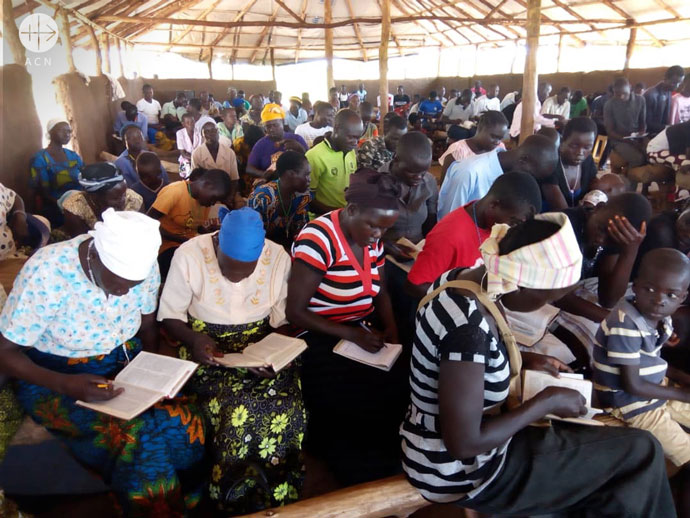 Uganda: Refugees during formation course