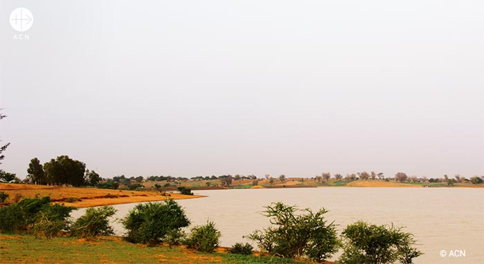 A landscape in the Sahel : water, the most precious natural resource in the region.