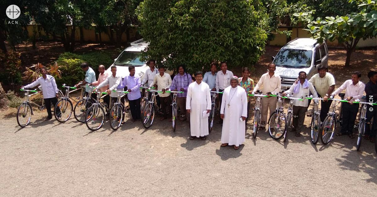 Success Story: 30 bicycles for catechists in India
