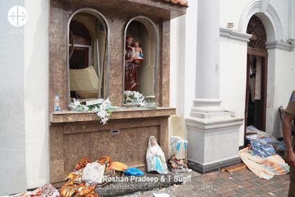 St. Anthony´s Shrine after the deadly blasts secured by miliatry and police - damaged statues.