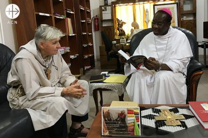 Patrons of the school: Mgr. Roger Houngbédji, Archbishop of Cotonou, and Père Daniel Ange, the founder of the Jeunesse Lumière.