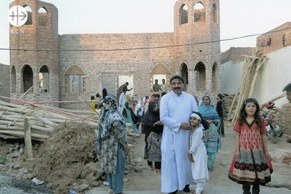 Pakistan: Help to complete a church in Issanagri.