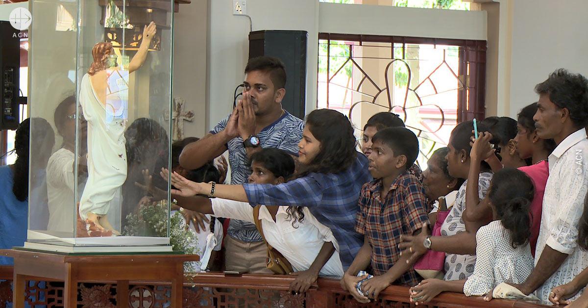 Sri Lanka: «De la noche a la mañana, todo el país estaba bautizado»