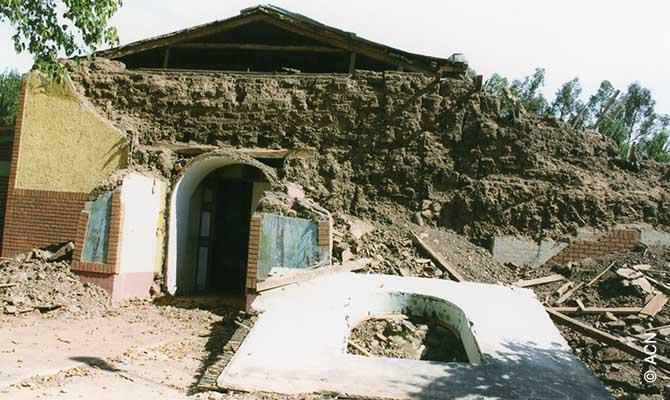 Una delle chiese distrutte dal terremoto del 2010 in Cile aspetta ancora la ricostruzione.
