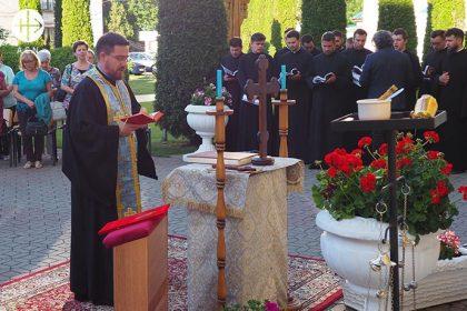 También este año queremos apoyar la formación de los 54 seminaristas con 32.400 euros.