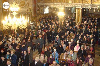 Rumanía: Apoyo a 54 futuros sacerdotes de Oradea.