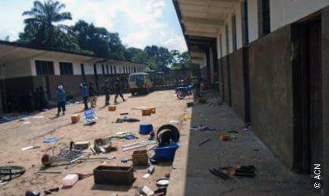 Depois de atos de violencia contra a Igreja, em 19 de fevereiro de 2017, no seminario de Kananga.