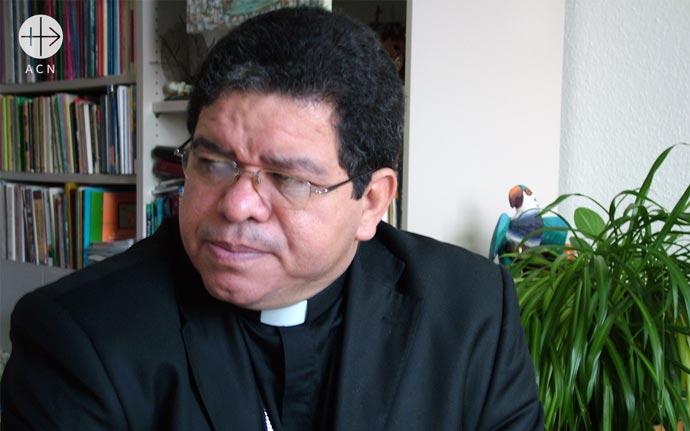Archbishop José Luis Azuaje of Maracaibo