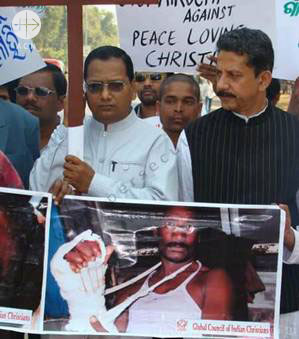 India. Orissa, August 2008 . Violence against Christians in the Archdiocese of Cuttack-Bhubaneshwar District Kandhamal.