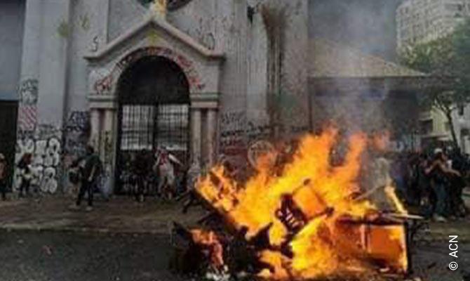 Grave ataque en Santiago de Chile a la parroquia de La Asunción el viernes 8 de Noviembre.