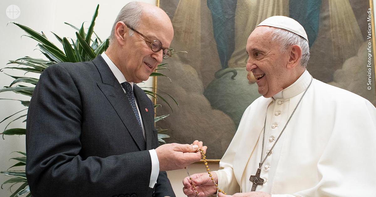 Vaticano: Papa pede respeito pela liberdade religiosa e lembra a situação dos cristãos perseguidos.