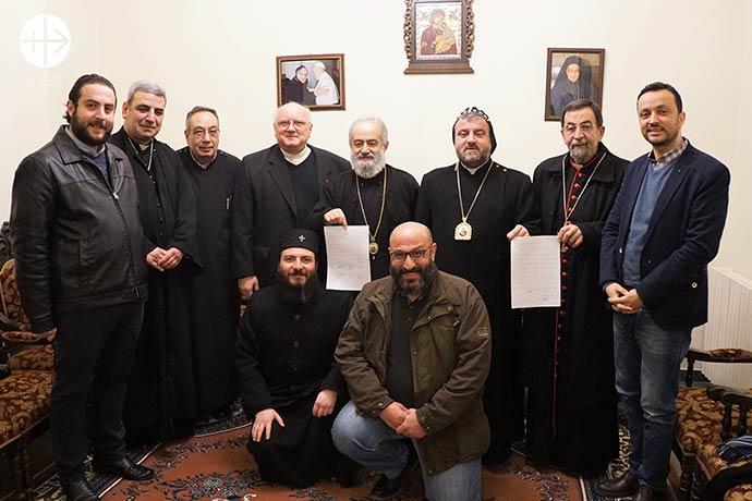 amilias cristianas en Siria obligadas a abandonar su ciudad por extremistas islámicos celebraron su regreso ayer (jueves 14 de febrero) con una ceremonia que marca la reconstrucción de sus hogares.