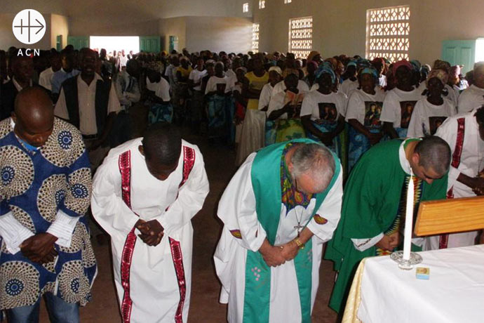 ACN supports the church in Mozambique with subsistence support to priest and religious sisters as well as with financial aid for formation and building projects.