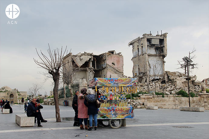 Aleppo (Syria), destroyed building in front of the Citadelle.