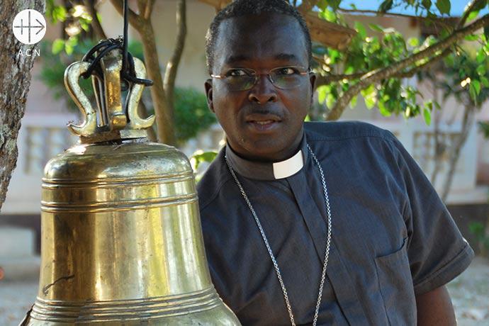 Mons. Désinord Jean, obispo de Hinche en Haití.