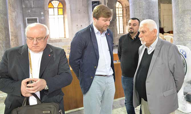 On the left Father Andrzej Halemba, head of Middle East projects at Aid to the Church in Need (ACN).