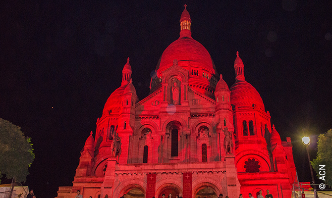 "Event in Paris for religious freedom: the famous Sacred Heart Basilica (Montmartre) in Paris was ""illuminated"" in red to honor the blood of the martyrs"