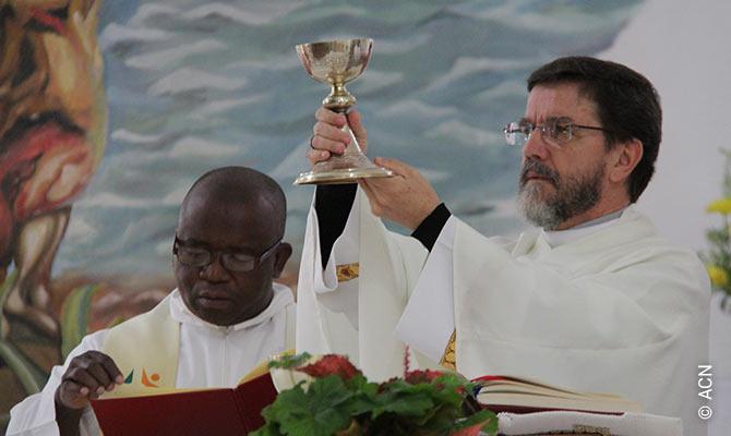 Mons. Luiz Fernando Lisboa, obispo de Pemba.