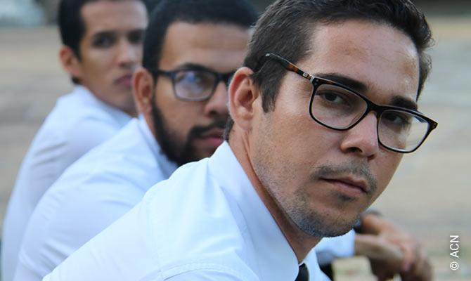 Venezuela: The light of men.