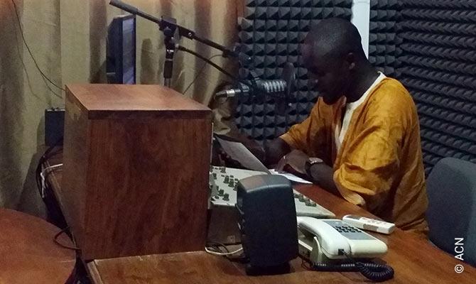 COVID-19 in Africa: Catholic radio stations bring hope.