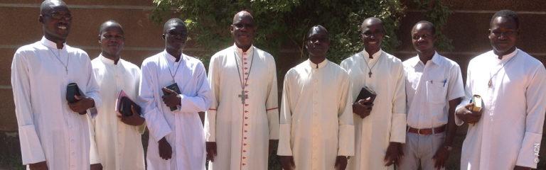 Burkina Faso: Ayudar al prójimo a llevar su cruz