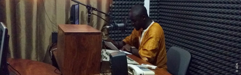 Guinea Bissau: Production and transmission of weekly formative programs of Radio Sol Mansi