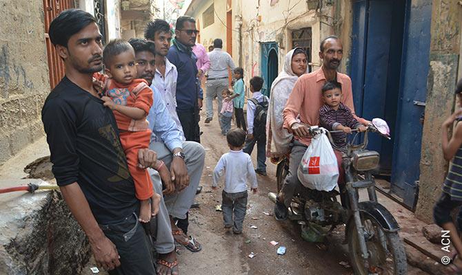 Pakistán: Denegada ayuda por COVID-19 a los cristianos.