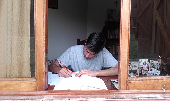 Bible studies in Nueve de Julio, Argentina.