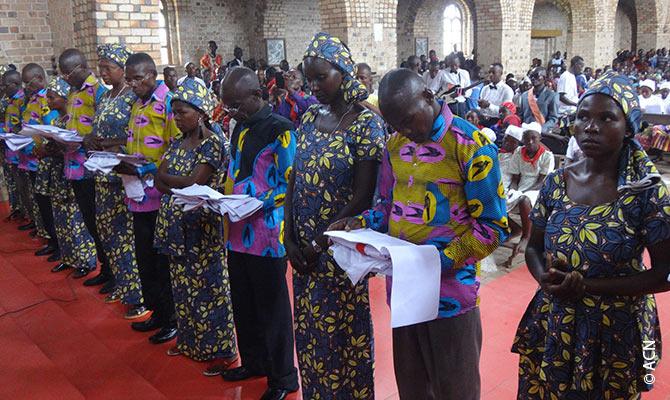 Formation de catéchistes au Centre de Mobokoli, Lolo.