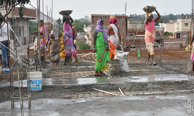 Construcción de una capilla en Prerna Sadan, Ranchi.