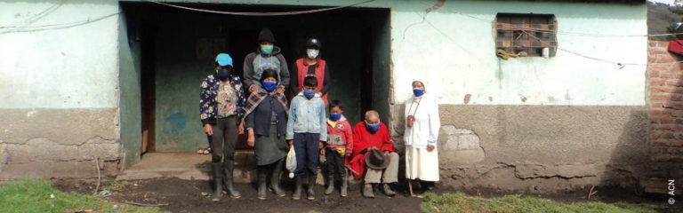 Ecuador, ACN provides subsistence aid for 66 sisters