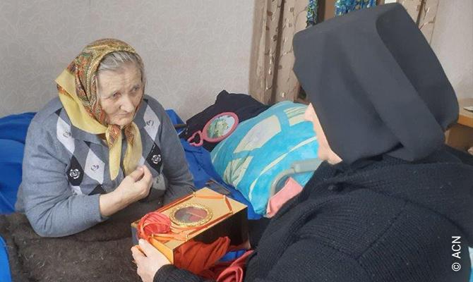 Religiosas de la diócesis de San José de Irkutsk cuidan de los necesitados durante la pandemia de coronavirus.