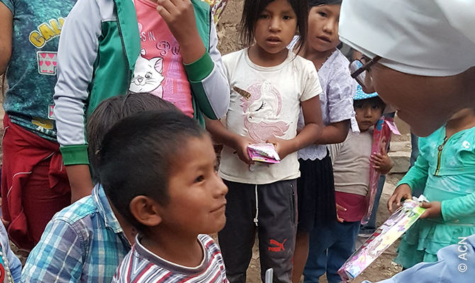 Bolivia: Support for six religious sisters in the poor parishes of the Andes.