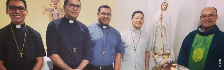 Brasil: Ayuda a la formación de 54 futuros sacerdotes de la Comunidad Shalom