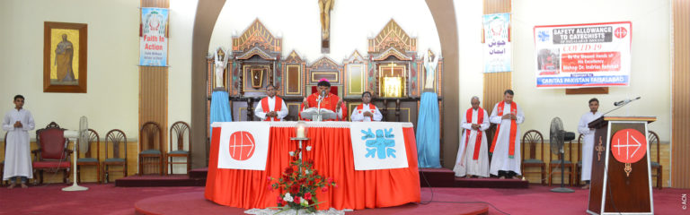 Pakistan: retreats for the fifty-five priests of the diocese of Faisalabad