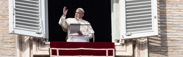 Pope Francis encourages ACN's Campaign One Million Children Praying the Rosary