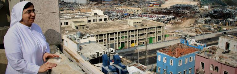 """LIBANON: Die Direktorin des Holy Rosary Hospital in Beirut: """"Wir müssen aus den Trümmern auferstehen."""""""