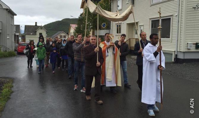 Norvège: Une Église pauvre dans un pays riche.