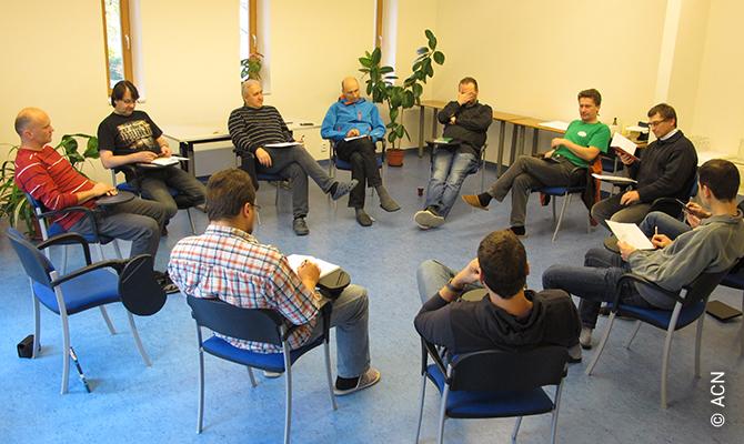 République tchèque: Cours de psychologie de la pastorale pour les prêtres de l'archidiocèse de Prague.