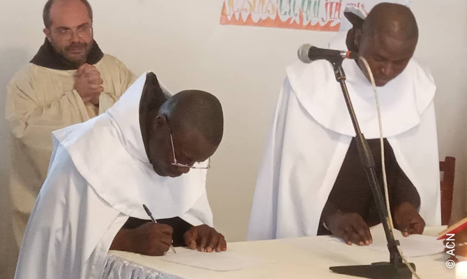 20th December 2020: Perpetual vows of two young Carmelites at Bangui, Monastery of Our Lady of Mount Carmel.