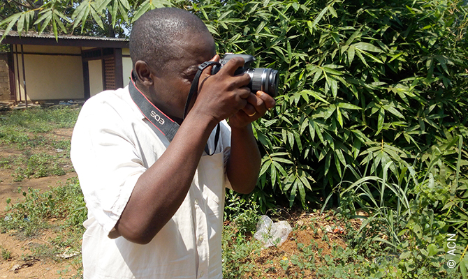 Gérard Ouambou is a journalist and cameraman from Bangui, the capital of the Central African Republic.