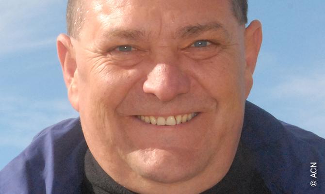 Le Père jésuite Johannes Kahn.